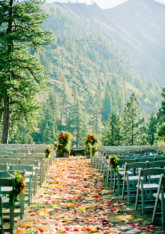 25 fall wedding venues best locations for fall weddings for Places for outdoor weddings
