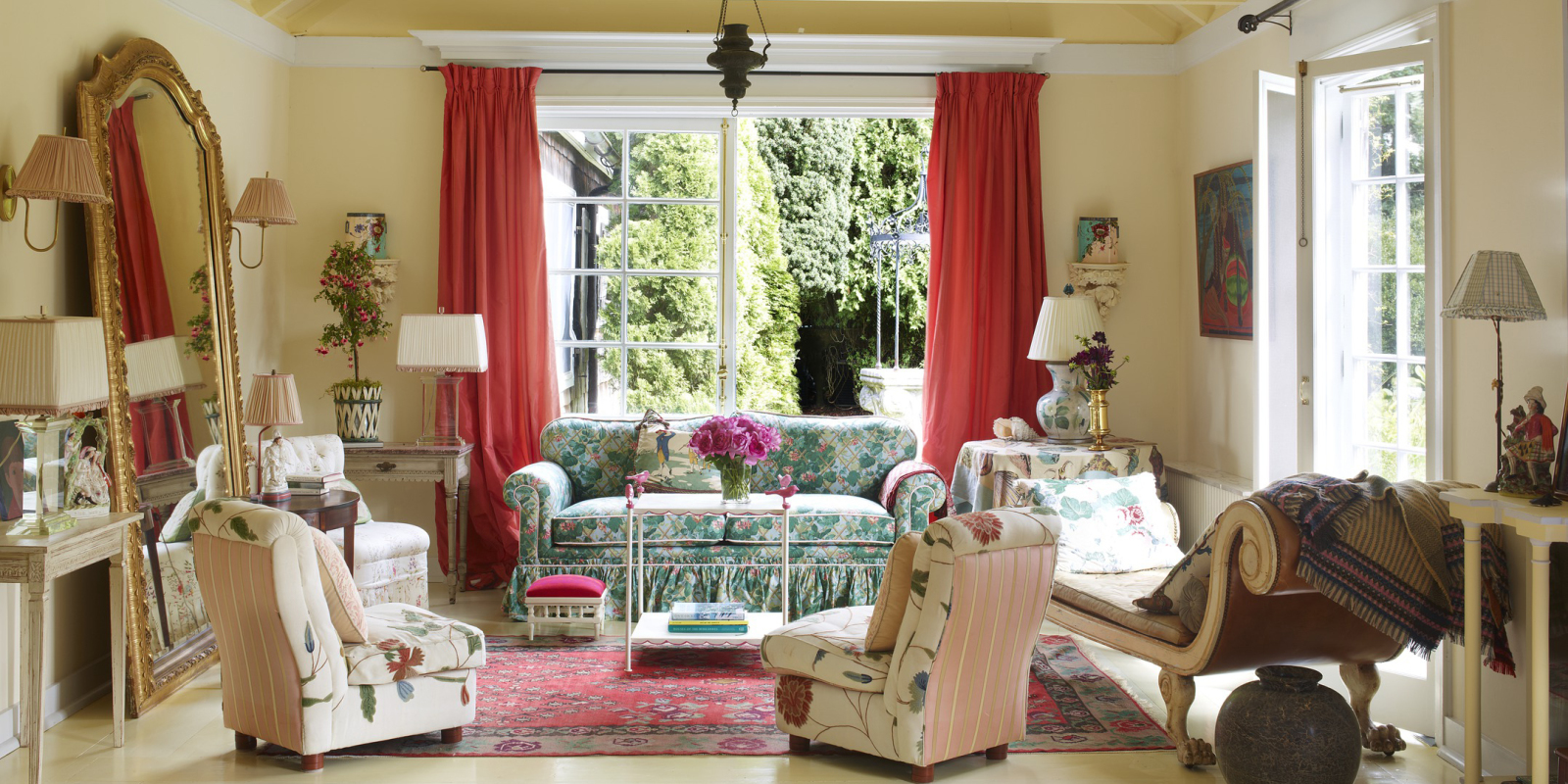 HOUSE TOUR: Inside Lorry Newhouse's Perfectly Charming Cottage