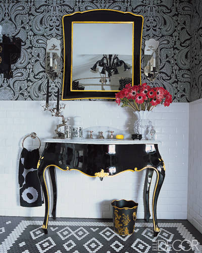Lessons in glamour from 10 stunning bathrooms for Anna s linens bathroom accessories