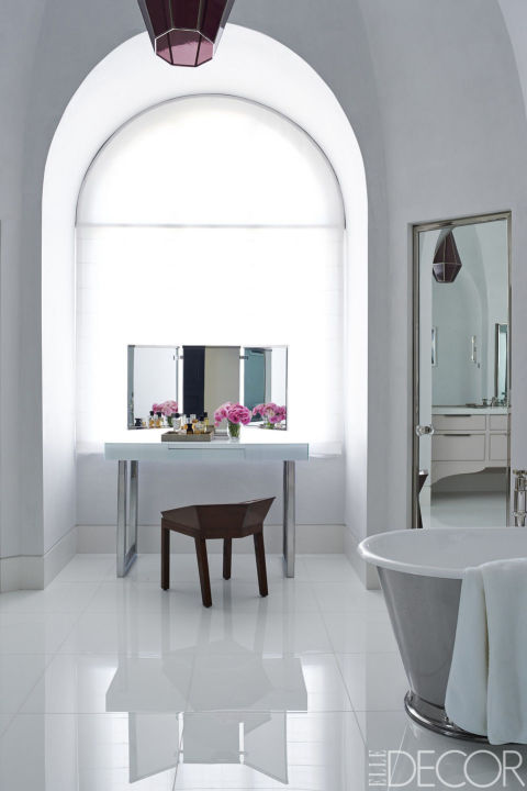 25 White Bathroom Design Ideas - Decorating Tips for All White ...