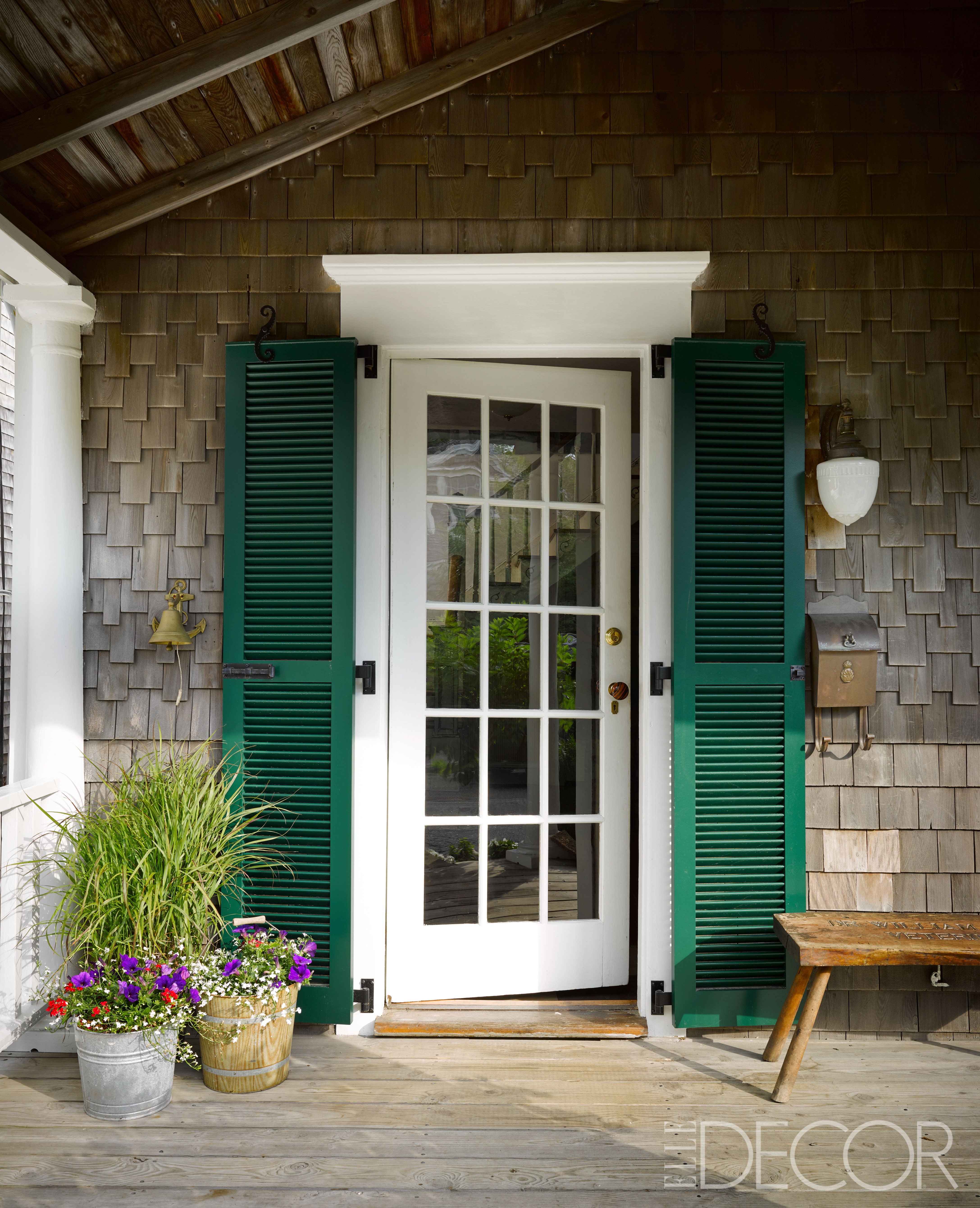 House tour a cape cod cottage is lovingly restored with for Cape cod front door