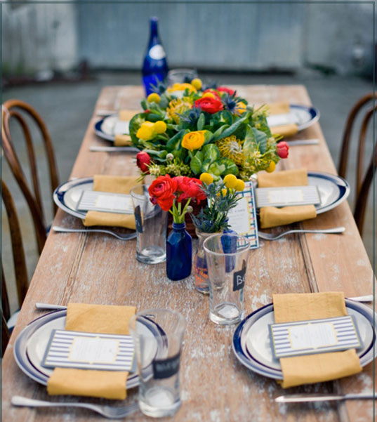 11 tablescape ideas to inspire your end of summer party. Black Bedroom Furniture Sets. Home Design Ideas
