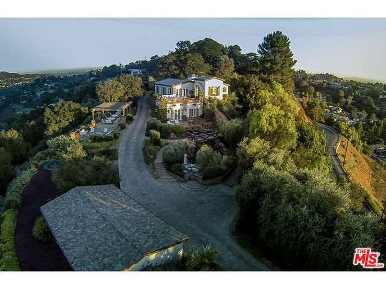 Celebrity Homes Celebrity Homes: Tom Cruise is selling another home gallery 1442431622 tom cruise 1 800