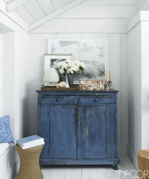 Bring The Shore Into Home With Beach Style Living Room: 14 Ways To Decorate An Awkward Corner