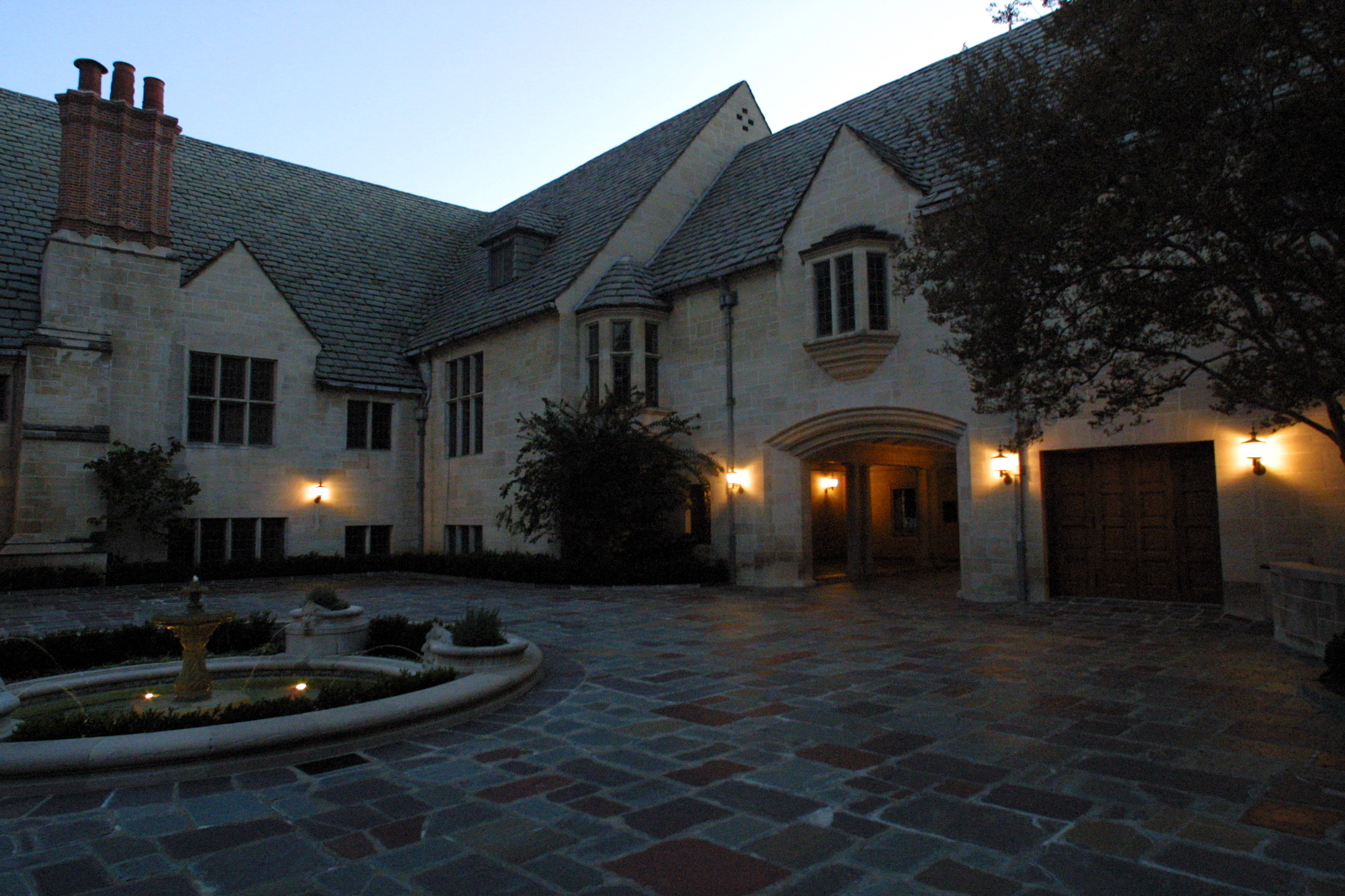 9 of america 39 s most infamous murder mansions for Murder house tour los angeles