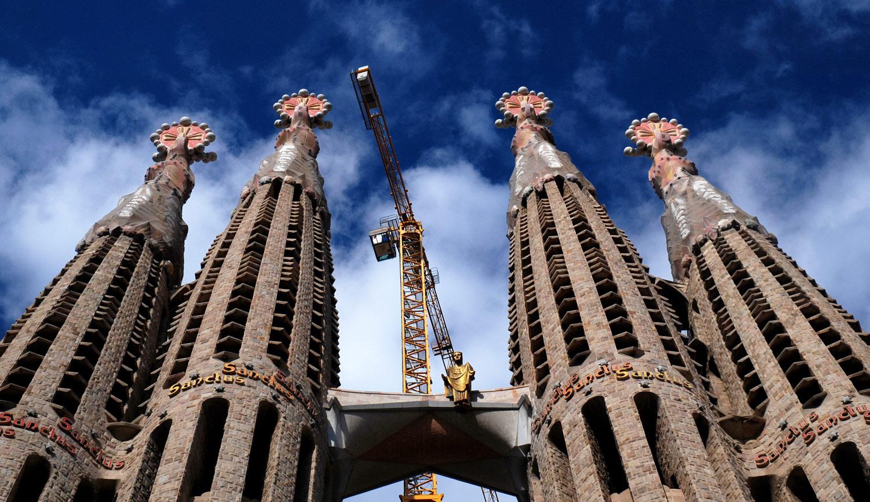 Barcelona 39 s la sagrada fam lia to be completed in 2026 for La sagrada familia church