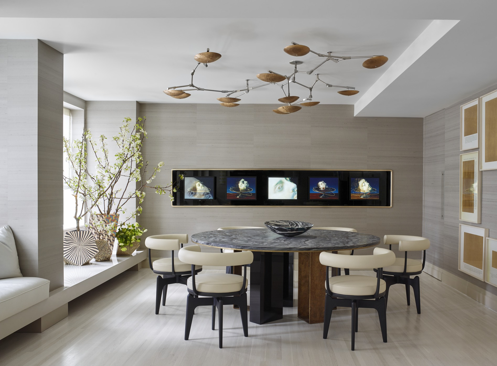 25 modern dining room decorating ideas contemporary for Modern lounge decor ideas