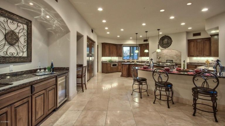 Celebrity Homes: Sarah Palin Arizona  Mansion gallery 1452121449  16