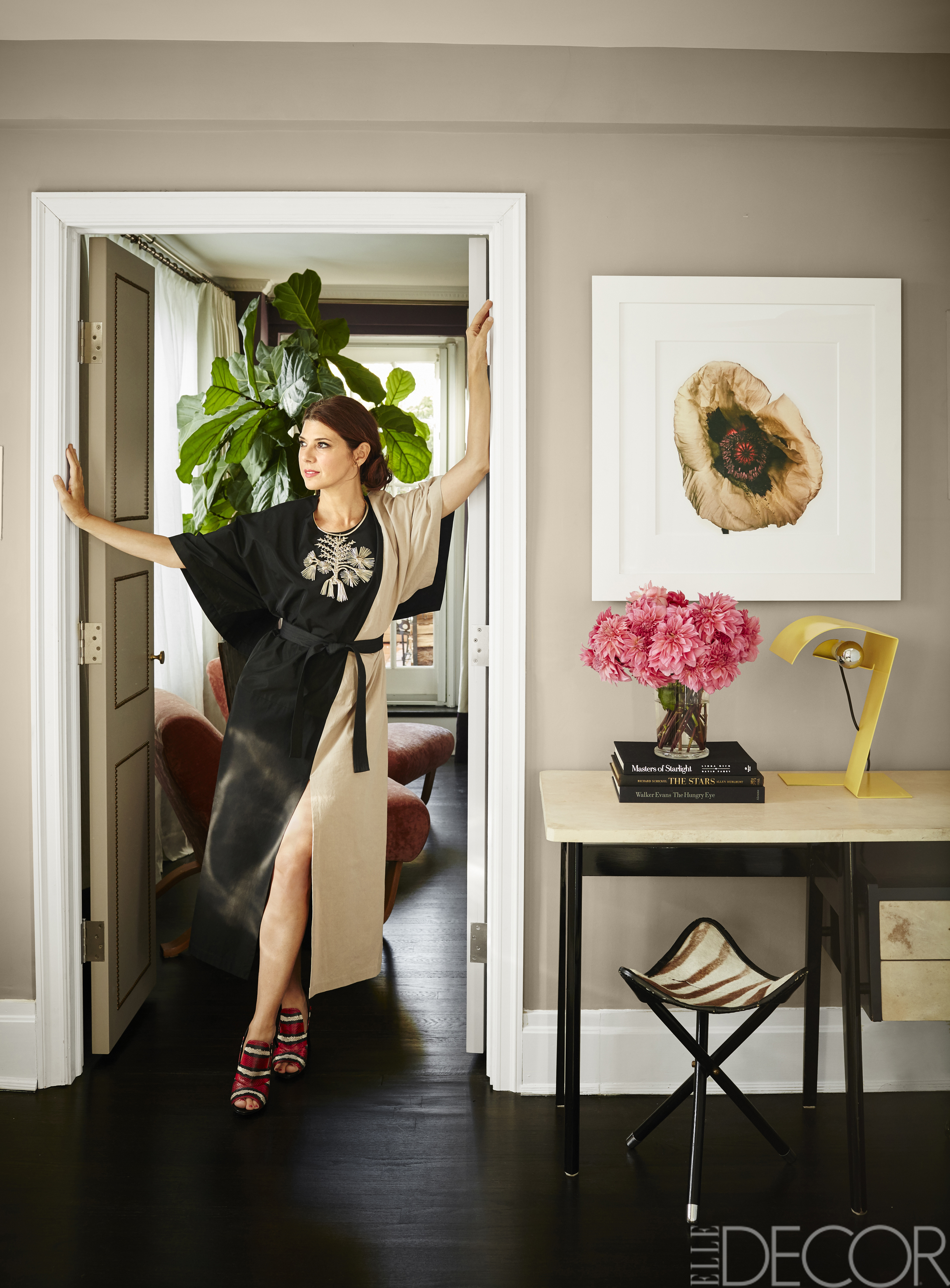 See Inside Marisa Tomei S Apartment Marisa Tomei Home