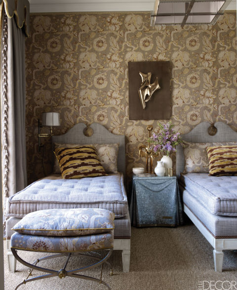 10 Tips On Small Bedroom Interior Design: 20 Small Bedroom Design Ideas -Decorating Tips For Small