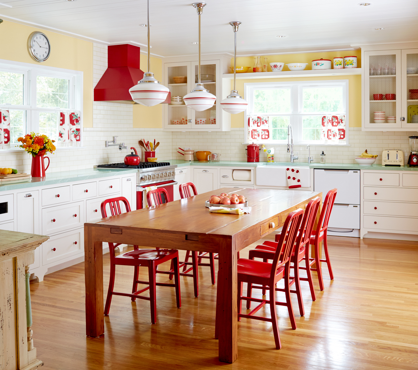 The Best And Worst Colors To Paint Your Kitchen