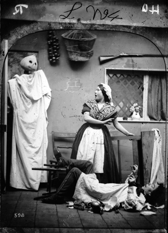 20 best vintage halloween decorations retro halloween. Black Bedroom Furniture Sets. Home Design Ideas