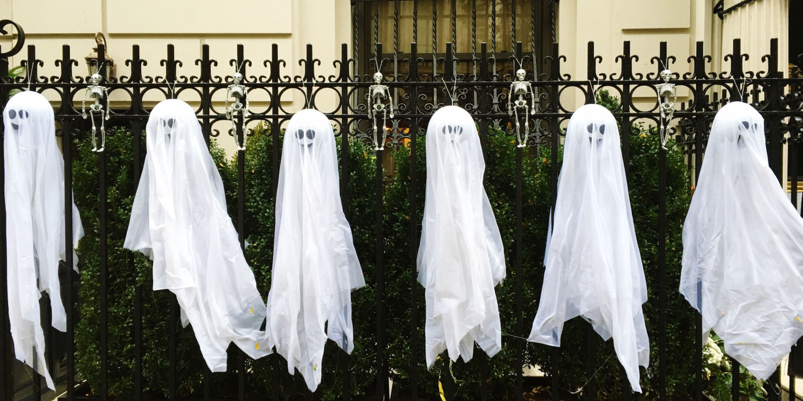 10 best outdoor halloween decorations porch decor ideas - Where can i buy halloween decorations ...