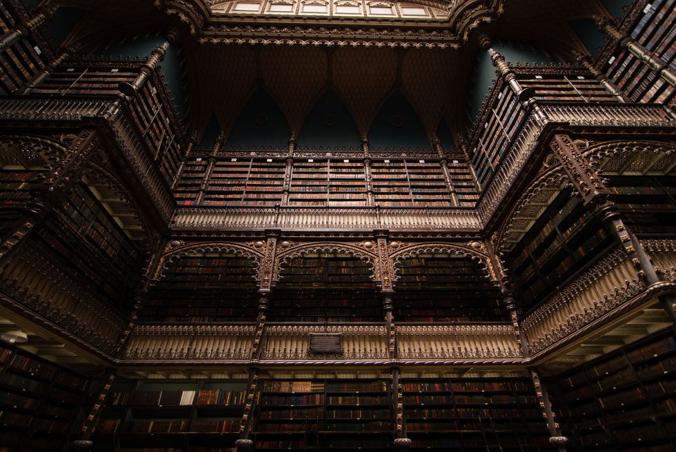 The jaw-dropping interior of the Real Gabinete Português de Leitura in Rio De Janerio, Brazil, is designed in the Neo-Manueline style, one that is reminiscent of Gothic cathedrals. My Modern Met says that since its completion in 1887, the library has amassed 350,000 volumes, which line the walls from floor to ceiling.