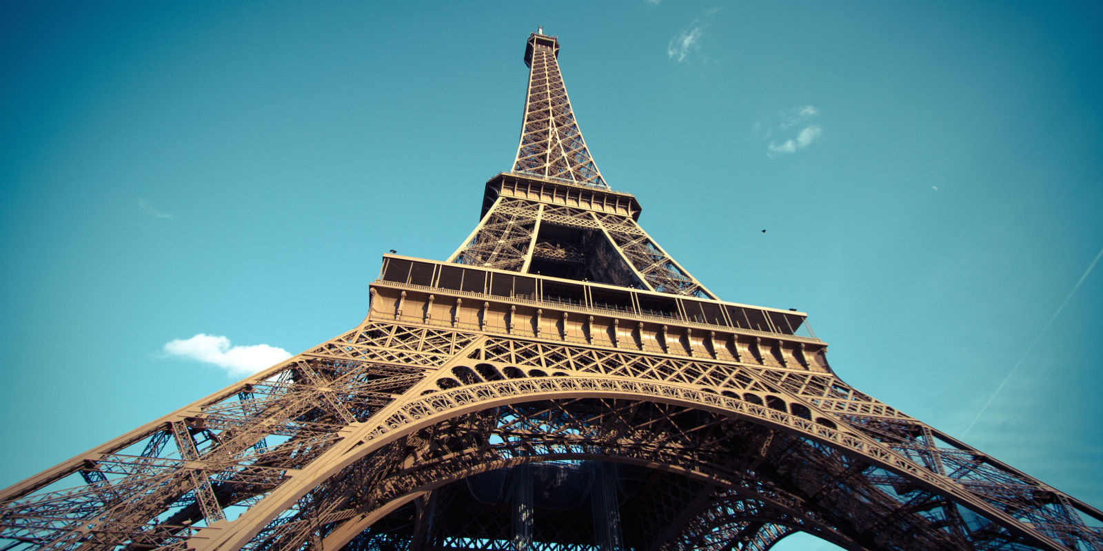 10 famous landmarks with hidden rooms famous places secrets Eiffel tower secret room
