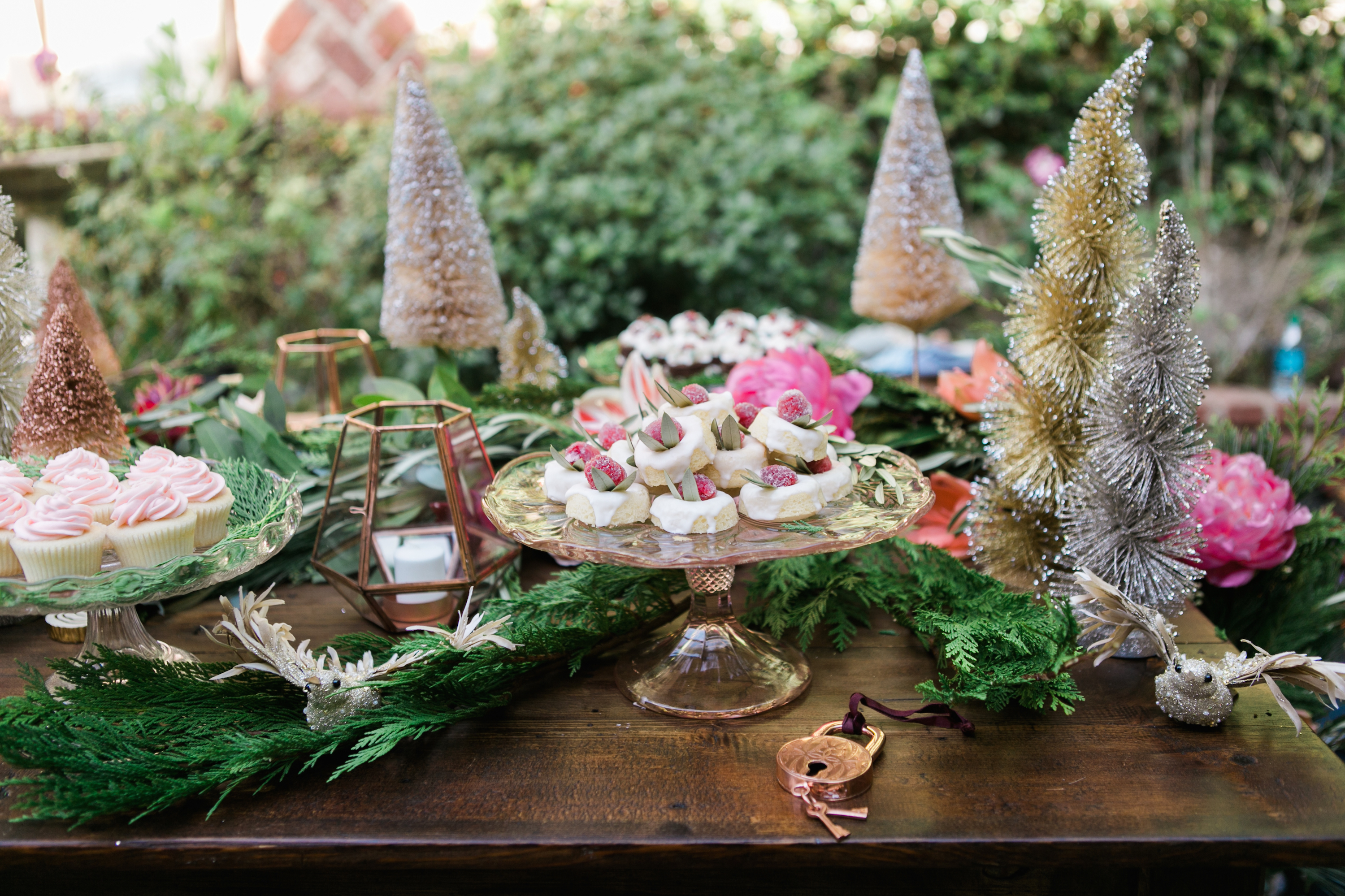 15 easy christmas table decorations ideas for decorating your christmas din - Decoration noel table ...