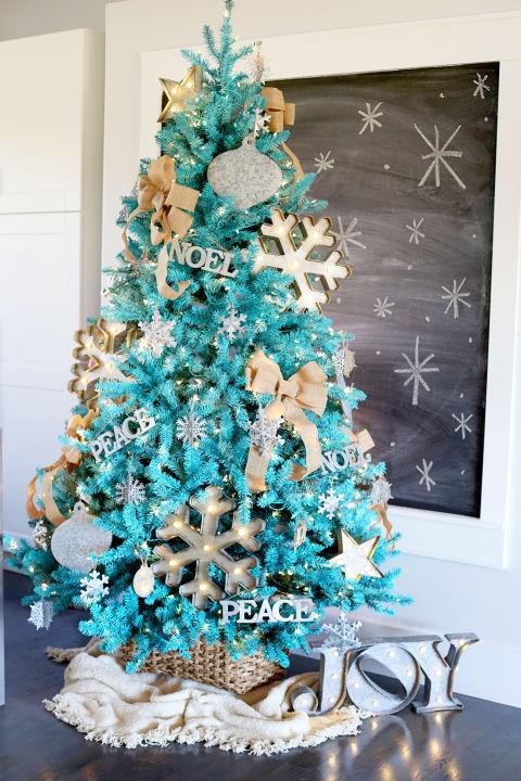 20 best christmas tree decorating ideas stylish for Elle decor christmas tree