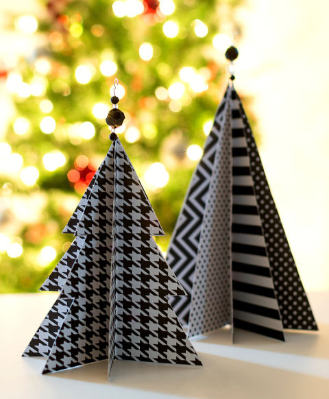 20 best holiday decorating ideas for small spaces for Elle decor christmas tree