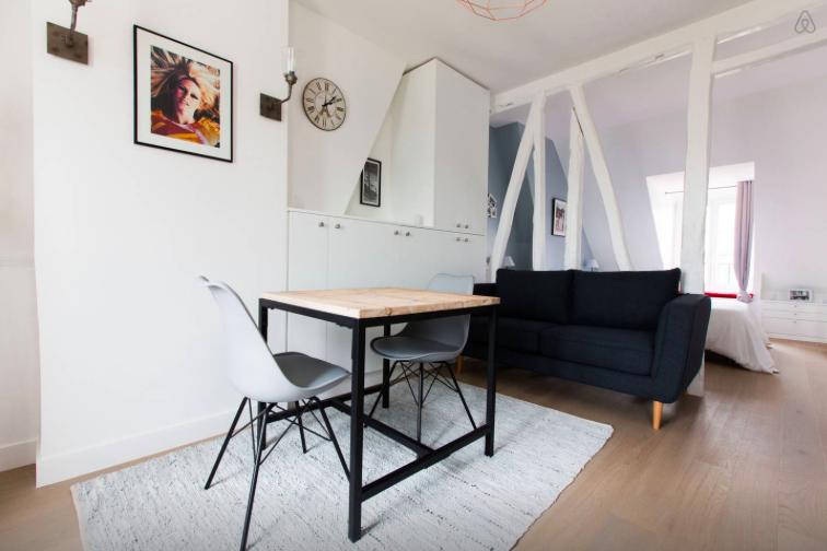 парижской квартире Детали, которые вы найдете в каждой парижской квартире 1477498223 1446237506 paris clutter