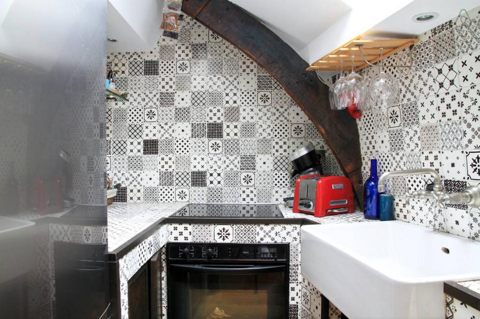 парижской квартире Детали, которые вы найдете в каждой парижской квартире 1477498224 1435251098 paris loft kitchen