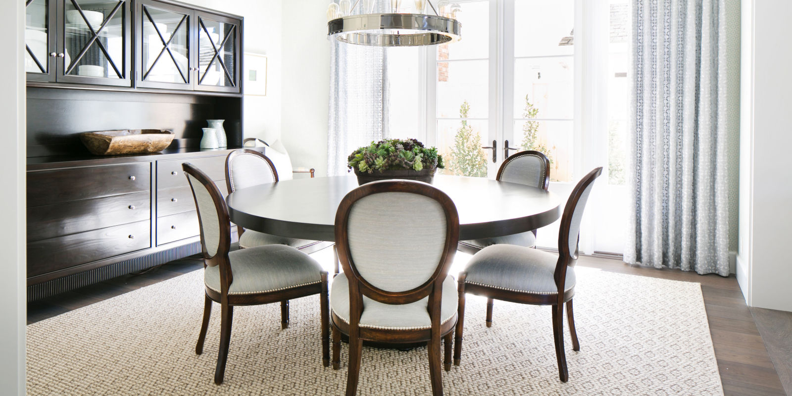 23 best round dining room tables dining room table sets for Beautiful round kitchen tables
