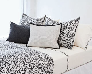 Vera wang s new designer bedding collection for Elle decoration bed linen