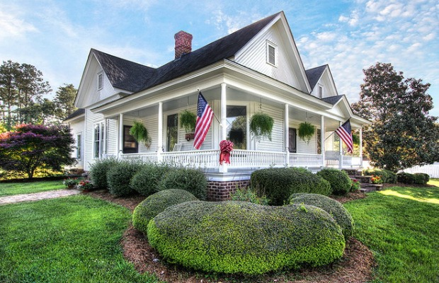 Historic north carolina house tour country homes and for Home by design nc